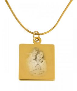 gold pendant including photo engraving