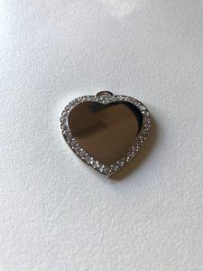 Silver heart pendant with diamontes
