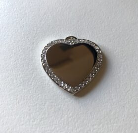 Silver heart pendant with diamontes